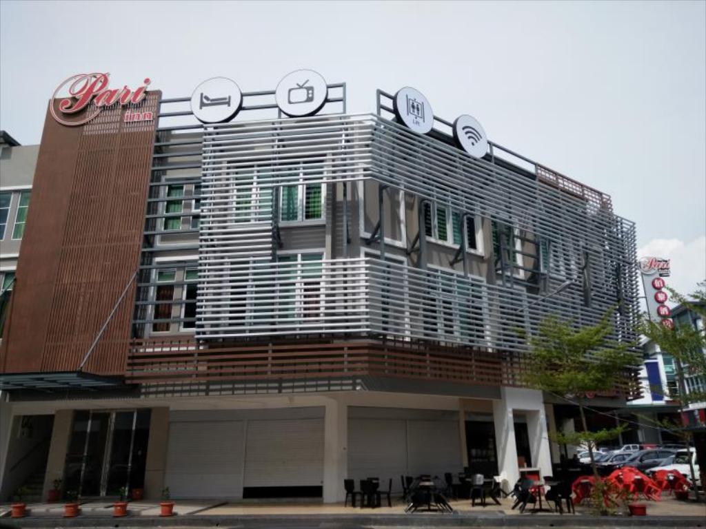 Pari inn near airport