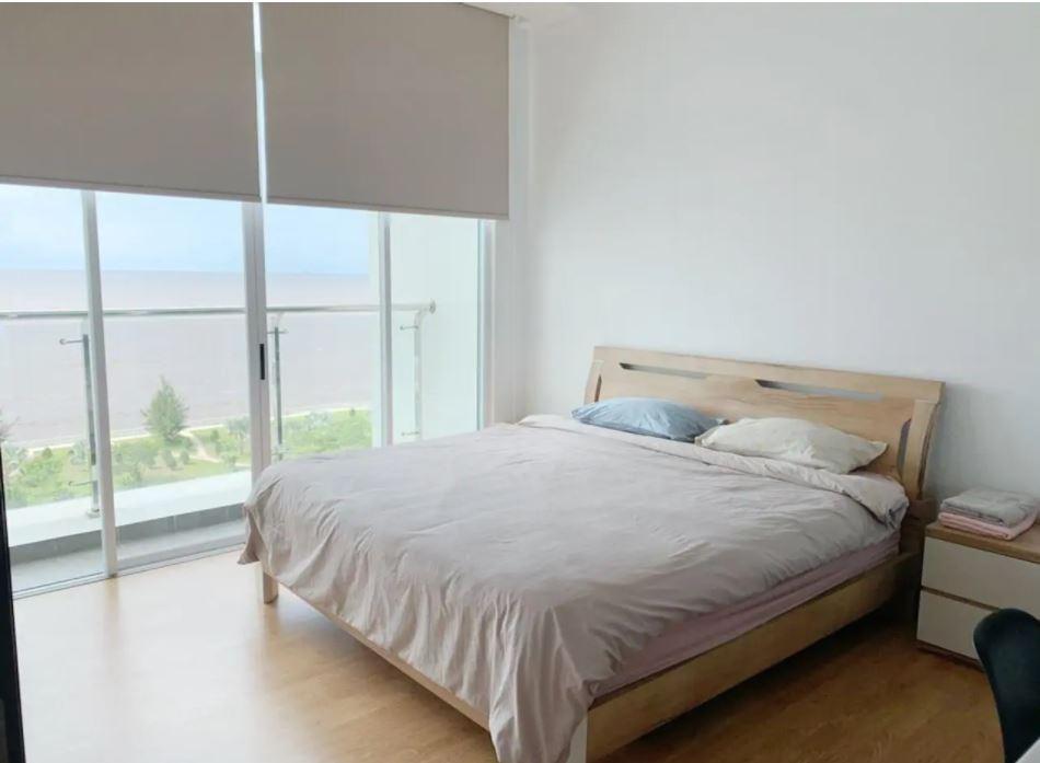 Beach-front Bay Resort Condominium 7