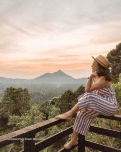 Mendung Escape bau mountain