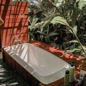 airbnb bau outdoor bath
