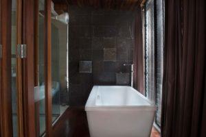 theCHARCOAL bathtub